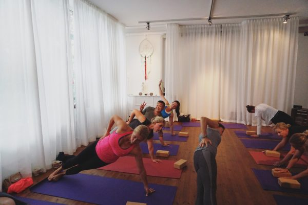 SKY yoga-workshop med Shirin på Mamita